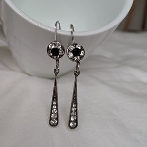 Jewelry - Black stone/Silver drop earrings